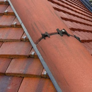 What's The Difference Between a Dry and Wet Roof Fixing Method?
