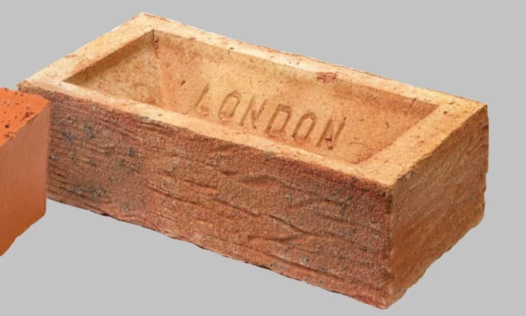 House brick frog