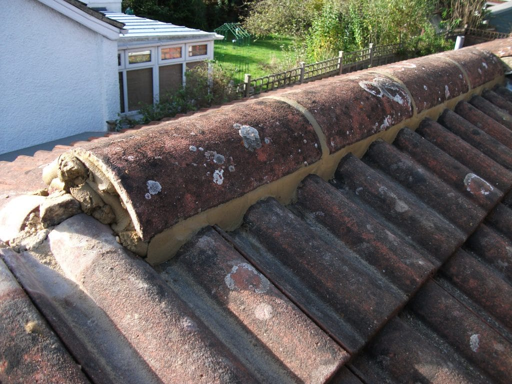 Ridge tile mortar pointing