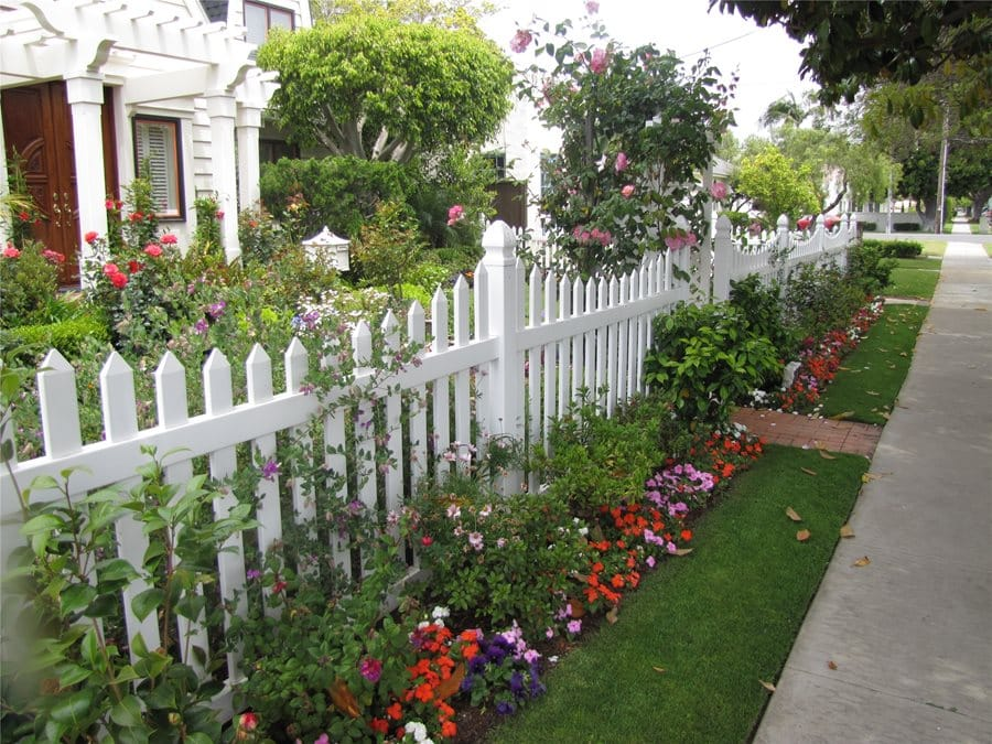 White Fence Ideas Contemporary Ideas White Picket Fences Are The ...