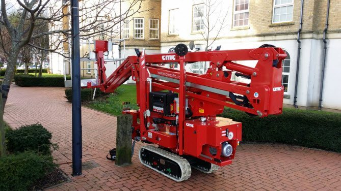 Tracked cherry picker