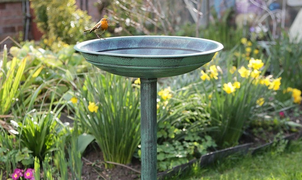 Garden water bowl for bees